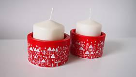 Svietidlá a sviečky - Drevené svietniky - dedinka v bielom - 7282790_