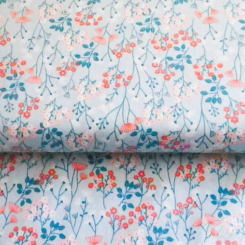 kvety v modrej, 100 % bavlna, šírka 110 cm, cena za 0,5 m
