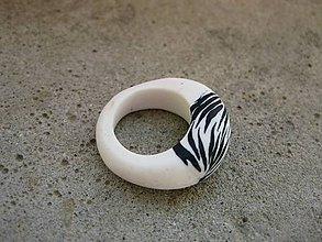 Prstene - Fimo prsteň (Zebra prsteň č.583) - 7280654_