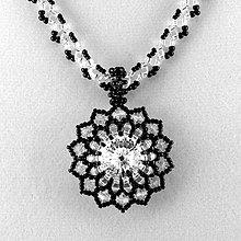 Náhrdelníky - Strieborno-čierny náhrdelník so SW príveskom - 7284676_