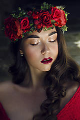 - Bohatý vínovo-červený vlasový venček - 7285063_