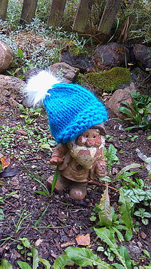 Čiapky - Modrá čiapka s kožušinovým brmbolcom - 7284869_