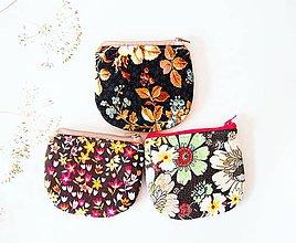 Peňaženky - Peňaženka - jesenné kvety na čiernej - 7290136_
