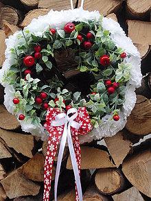 Dekorácie - Zimný veniec s jabĺčkami 29cm - 7292681_