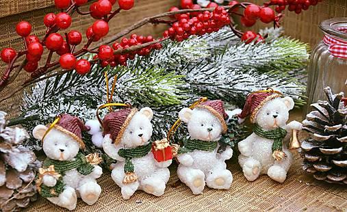 Vianoční mackovia