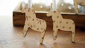 Dekorácie - Vianočná drevené ozdoba, kôň Dala - 7295758_