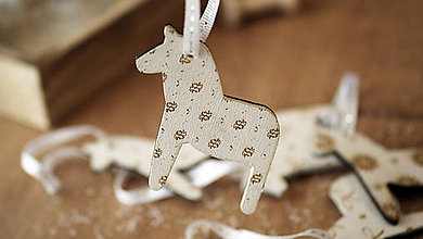Dekorácie - Vianočná drevené ozdoba, kôň Dala - 7295565_