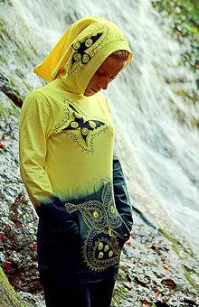 Mikiny - Dámska mikina s kapucou, vreckami, maľovaná, etno MOTÝLIK - 7294274_