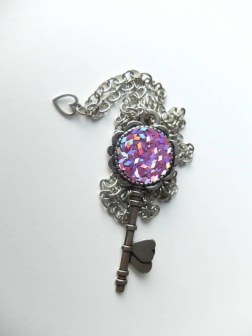 Živicový náhrdelník Kľúč od Lásky
