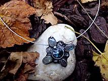 cínovaný náhrdelník - Swarovskeho kameň + Labradorit