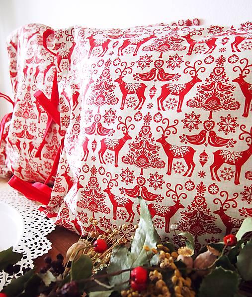 Úžitkový textil - Vianočné folk vankúše - 7303037_