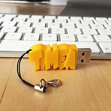 Kľúčenky - USB kľúč s vlastným názvom - prívesok - 7303798_