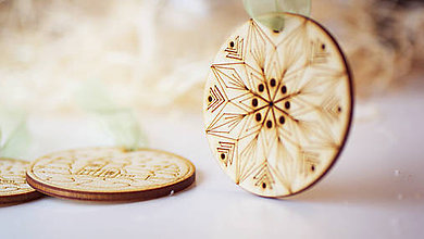Dekorácie - Vianočná drevená ozdoba - 7303636_