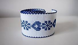 Úžitkový textil - Vyšívaná štóla na stôl srdiečko modré - 7312043_