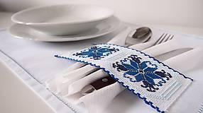 Úžitkový textil - Slávnostné vyšívané prestieranie - 7312098_