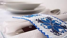 Úžitkový textil - Slávnostné vyšívané prestieranie - 7312099_