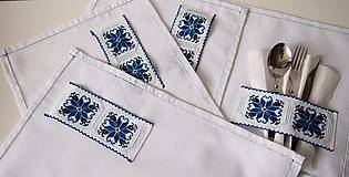 Úžitkový textil - Slávnostné vyšívané prestieranie - 7312114_