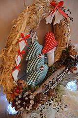 Dekorácie - Vianočný veniec zasnežená krajinka - 7310896_