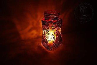 Svietidlá a sviečky - Boho svietnik zlato-čierno- červený