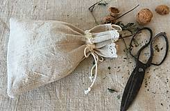 Úžitkový textil - Vrecúško z ručne tkaného ľanu 48x30cm s uškom na zavesenie - 7314699_