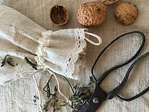 Úžitkový textil - Vrecúško z ručne tkaného ľanu 48x30cm s uškom na zavesenie - 7314700_