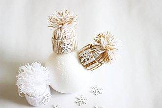 Dekorácie - Vianočné čiapočky bielo zlaté - 7317164_