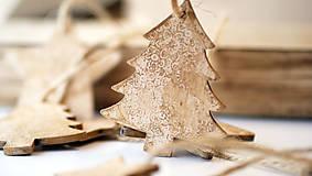 Drevená ozdoba, vianočný stromček
