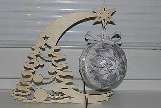 Dekorácie - Drevený stojan -hviezda - 7326690_