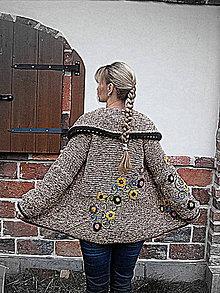 Svetre/Pulóvre - Pletený kabátek s aplikacemi - 7323852_