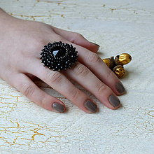 Prstene - Jet - vyšívaný prsten - 7329857_