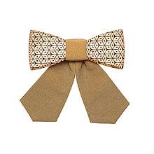 Náhrdelníky - ORIGINÁL – Dámsky drevený motýlik Solea - 7332882_