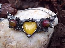 - cínovaný náhrdelník - žlté srdce - 7333323_