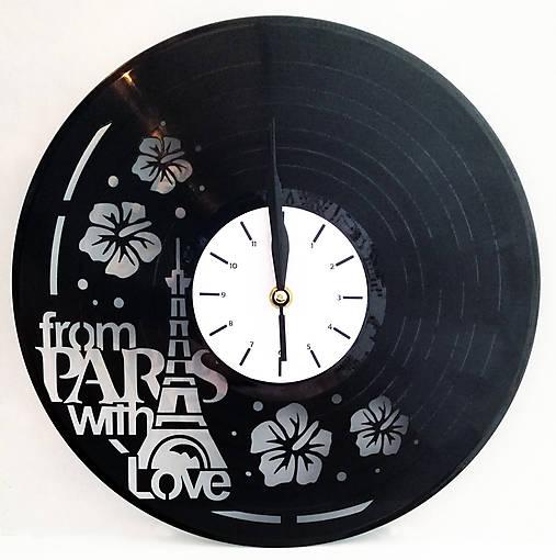 hodiny na stenu Paríž