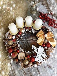 Dekorácie - Adventný veniec Anjel červený - 7343105_