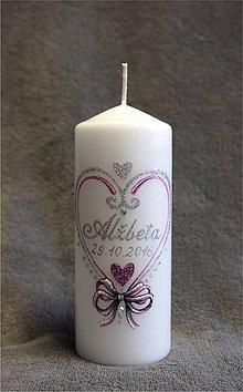 Svietidlá a sviečky - krstová sviečka so srdiečkom - ružová/strieborná - 7349717_