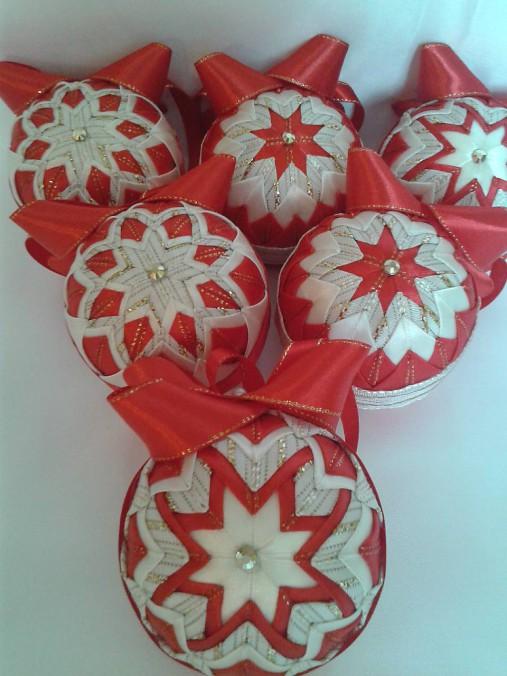 de6385a1d Vianočné gule patchwork ,,červená vanilka ,, / AgiHandmade - SAShE ...