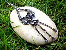 cínovaný náhrdelník s Iolitom / kordierit /