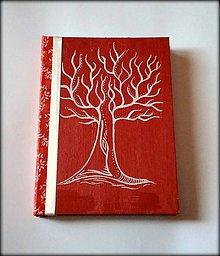Papiernictvo - Ručne šitý kreslený diár ,,Medený strom