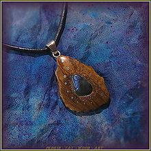 Náhrdelníky - 502. Dřevěný náhrdelník LABRADORIT - OLIVOVNÍK - 7350496_