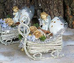 Dekorácie - Vianoce s anjelikom na sánkach - 7356909_