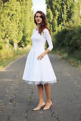 - Biele šaty s kruhovou sukňou - 7360205_