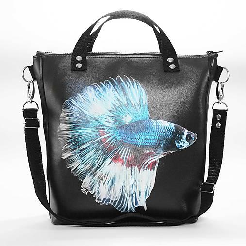 Punky 2 - čierna štýlová kabelka na rameno s originálnym dizajnom a  potlačou ryby bojovnice ba2d1238010