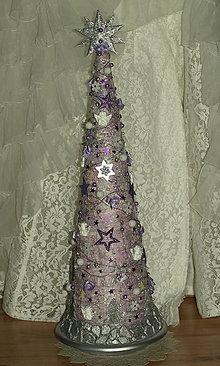 Dekorácie - Vianočný stromček jemne fialová + strieborná - 7363120_