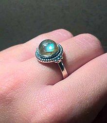 Prstene - Vintage Firey Blue Labradorite & Silver Ag 925 / Strieborný vintage prsteň s prírodným labradoritom /A0045 - 7366121_