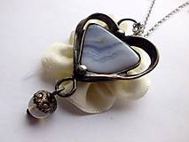 Náhrdelníky - cínované srdce - Chalcedon krajkový - 7363708_