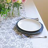 Úžitkový textil - bavlnený stredový obrus 130 x 40 cm, béžové kvety - 7362800_