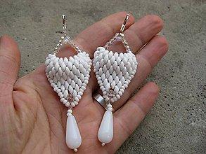 Náušnice - Biele náušnice s kvapkami, č1544 - 7363143_