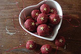 Dekorácie - Oriešky,oriešky,vianočné oriešky..... - 7362522_