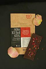 Potraviny - BIO Horká čokoláda 65% s jedlými lupienkami ruží - 7369573_