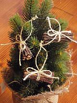 Dekorácie - Prírodné vianočné ozdoby na stromček - zväzok prútia - 7372135_